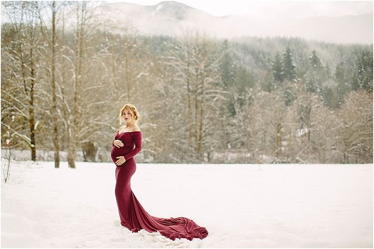 Maternity Photographer – Maternity Photographer - maternity dress - winter maternity - snow