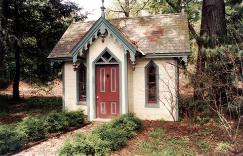 Victorian play house tree houses play houses pinterest for Victorian play house