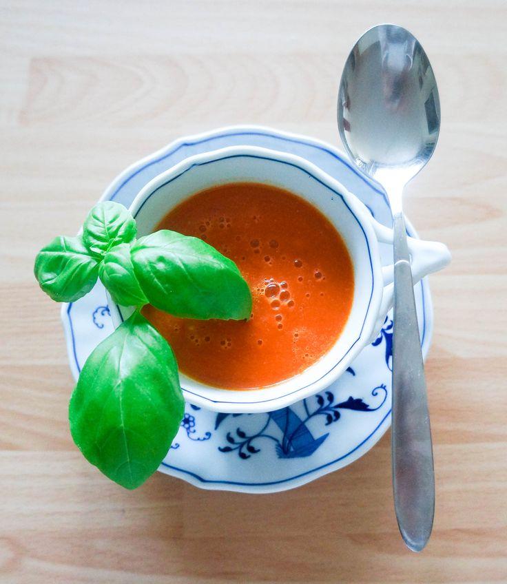 Die beste Tomatensuppe aller Zeiten. Sie ist so herrlich im Geschmack, man muss sie einfach ausprobieren.