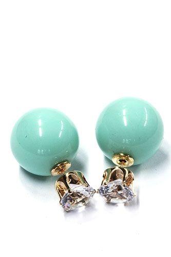 Groene Double Earrings, groene dubbele oorbellen, de nieuwste fashion trend by Noa's Sieraden. Eenvoudig online uitzoeken en bestellen. Ibiza Style tassen, dubbele oorbellen, Rahki zijden wikkelarmbanden... -