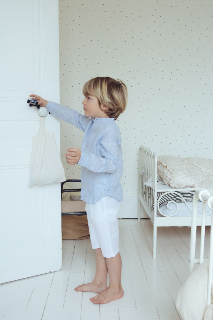 Pictures by Lois Moreno for Tartine et Chocolat. Report in Anne-Claire Ruel's home with her children Anton,Scarlett and Albertine