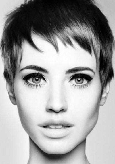 Cute pixie hairstyle with cropped bangs. I think this girl looks beautiful with this cut!