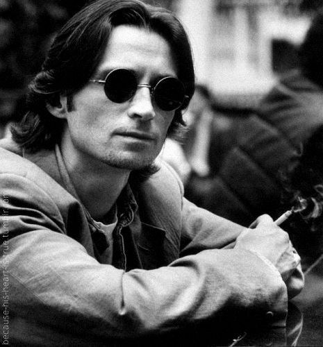 Robert Carlyle. Love him as Rumpelstiltskin in Once upon a time.