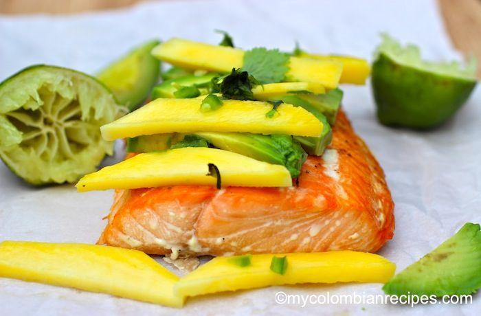 Salmón con Mango y Aguacate