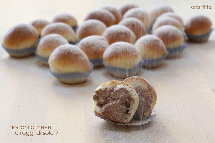 fiocchi di neve o raggi di sole ?   ARIA FRITTA lasciati conquistare!!! #fiocchidineve #raggidisole #amicizia #ariafritta #lacucinadireginè #brioche #ricotta #panna #morbido #soffice #ricettadolce #recipe #sweet #napoli #poppella http://blog.cookaround.com/ariafritta1/fiocchi-di-neve/