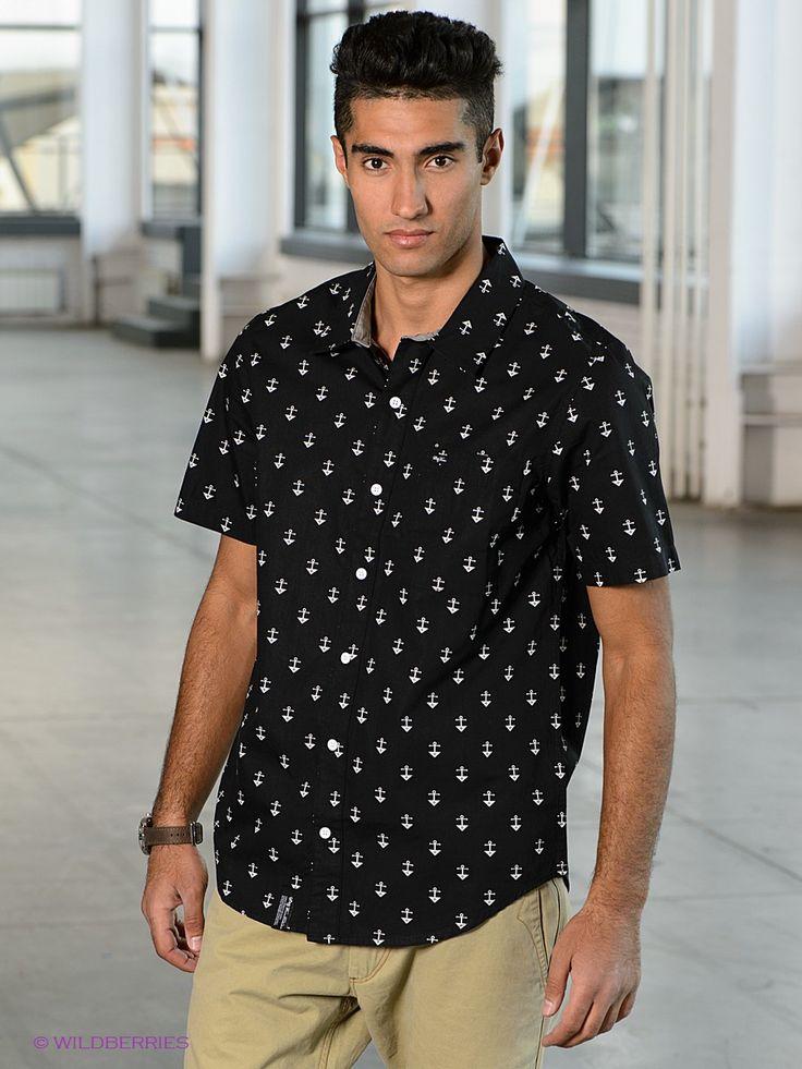 Выбрать в AMODERNA.RU  Стильная рубашка, выполненная из хлопкового комфортного материала с ярким рисунком. Модель с застежкой на пуговицы и отложным воротничком.