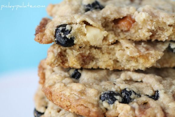 Blueberry, Caramel and White Chocolate Oatmeal CookiesWhite Chocolates, Caramel Oatmeal, Blueberries Oatmeal, Chocolates Cookies, Oatmealcookies, Cookies Recipe, Picky Palate, Chocolates Oatmeal Cookies, Caramel White
