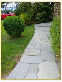 Bilder om skiffer / skifferplattor och skifferläggning för uteplatser gångar, trädgårdar och golv