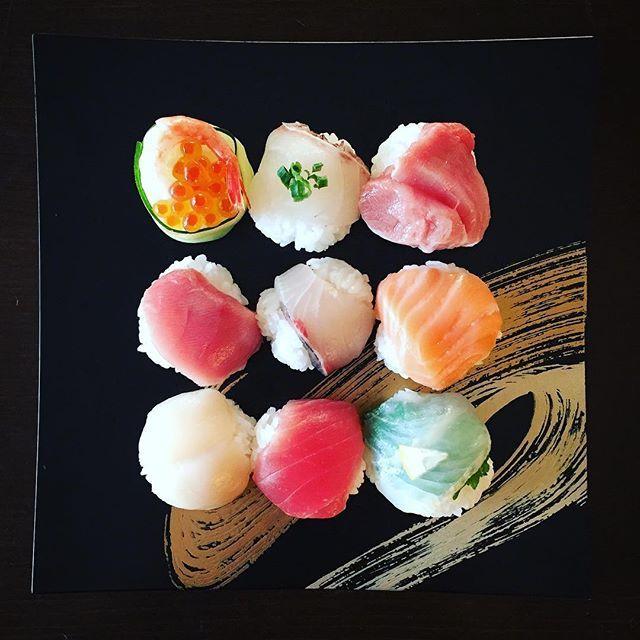 フォトジェニックな見た目に惚れる。常識を覆す「◯◯寿司」4つ♡|MERY [メリー]