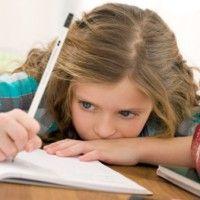 Özellikle hiçbir ödev verilmemesi gereken anaokulu öğrencilerinin, üçüncü sınıf öğrencilerinin yapması gerektiği kadar fazla ödev yapıyor.