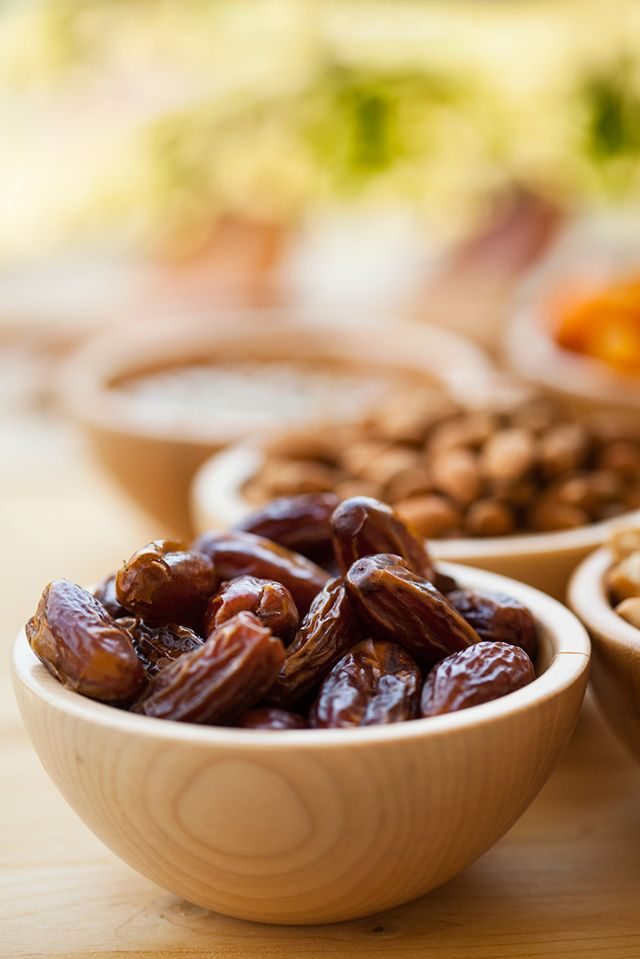 10 Ways to Use Dates instead of Processed Sugar, Zero Calorie Sweeteners!