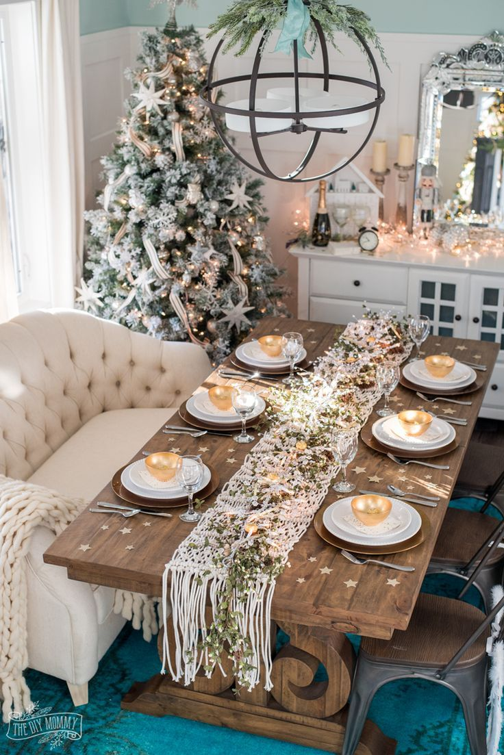 Easy New Years Eve Table Decor Ideas Christmas Dining Room Table Dining Room Table Set Christmas Table Decorations