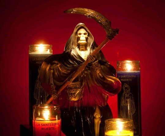 rezos para la Santa Muerte roja