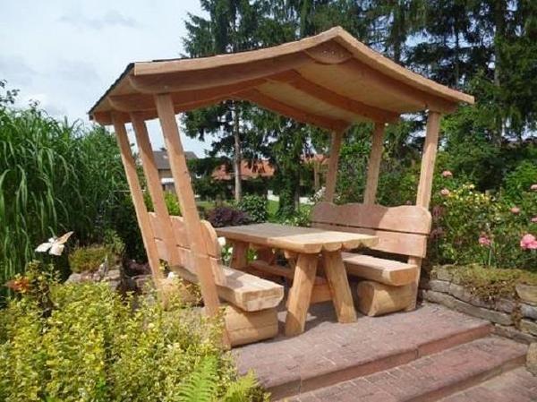 Uberdachte Gartenbank Kaufen Holz Massiv Mit Bildern Garten