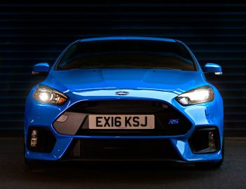 Ford Focus RS UK-spec (DYB) '2016–pr.