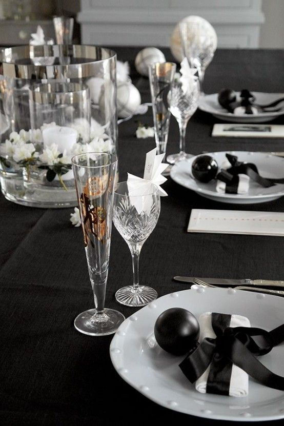 52 Sparkling New Year Table Settings