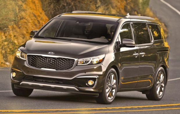 The 2015 Kia Sedona is a modern Korean minivan with seven or eight passenger seats available, new model comes with a few changes. Goal is to achieve better market position and to be a better competition to models from Honda, Toyota and Dodge that occupy significant part of the segment.