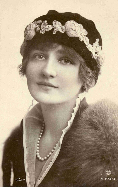 Lily Elsie (8 April 1886 – 16 December 1962) ) was a popular English actress and singer during the Edwardian era, best known for her starring role in the hit London premiere of Franz Lehár's operetta The Merry Widow.  Elsie was born Elsie Hodder at Armley, in the West Riding of Yorkshire, England. Her mother, Charlotte Elizabeth Hodder (1864–1922), was a dress-maker who operated a lodging-house. She married William Thomas Cotton, a theatre worker, in 1891, and Elsie became Elsie Cotton. The…