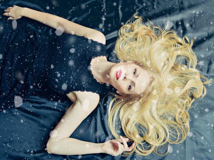 Met wat je vindt achter deurtje acht maak je haar haren weer zijdezacht: 10% korting op alle haarverzorgingsproducten bij #YvesRocher. Ga naar GoedeKortingscodes.nl voor de kortingscode. #adventskalender #Kerst #kortingscode