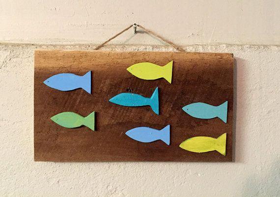 """Rustico in legno scuola di pesce - legno - arte parete 10"""" spiaggia segno per spiaggia casa arredamento o decorazione della casa Lago di recupero di lago Wall Decor"""