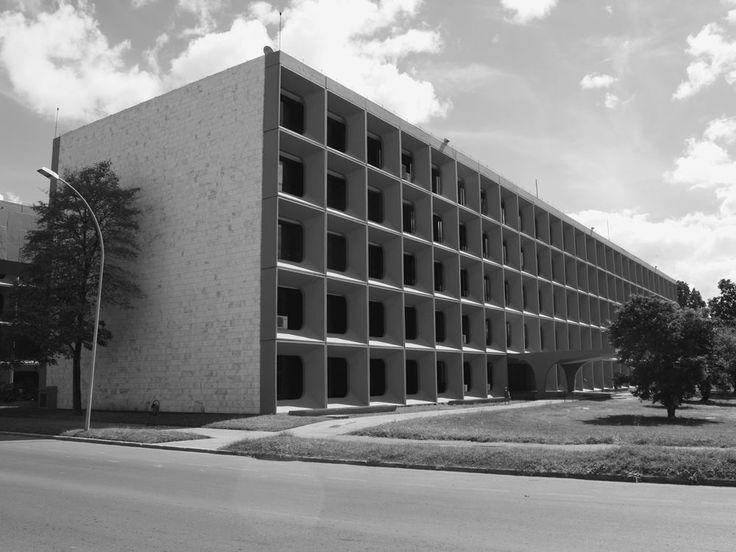 Oscar Niemeyer & João Filgueiras (Lelé) / Brasilia