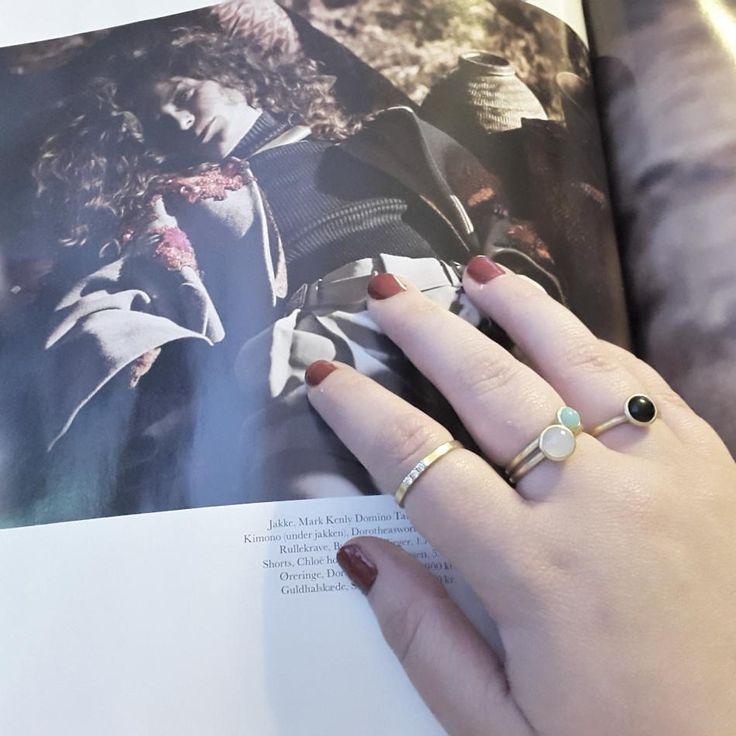Jeg elsker at sidde og kikke i mode blade.  #hvisk #hviskstyling #hviskstylist #hviskjewellery #smykker #jewellery #ringen #fingerring #fingerringe #ringe #ring #rings #mode #modeblade