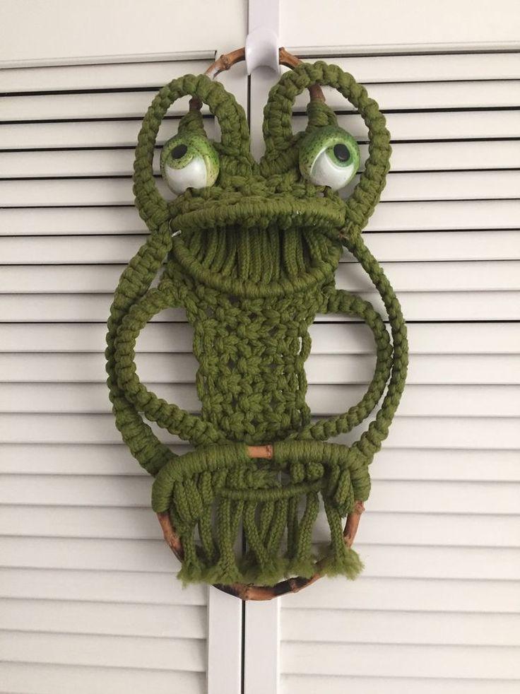 Frog Macrame Bamboo Vintage Green Towel Holder Wall Decor Vintage Retro Kitschy #Handmade
