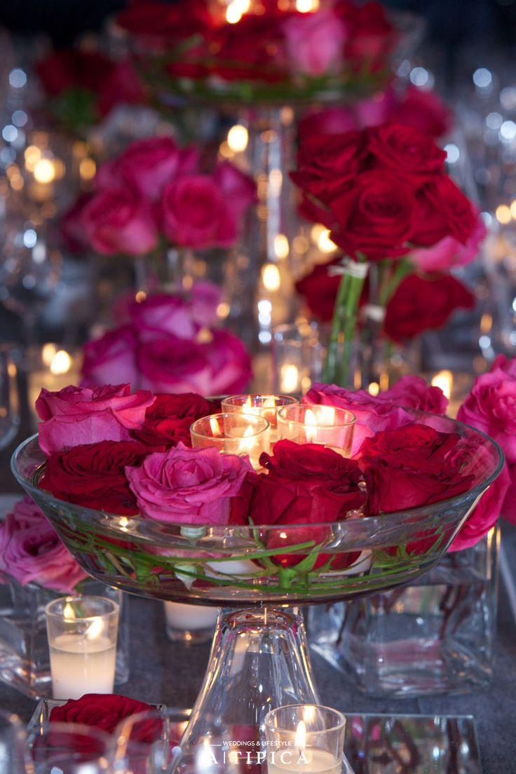 Centro de mesa elegante con velas y rosas rojas y fucsias - Centros de mesa con velas ...