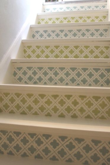Jazz up your #stairs with #delicate #stenciling! By Vanessa from Bluet and Clover.