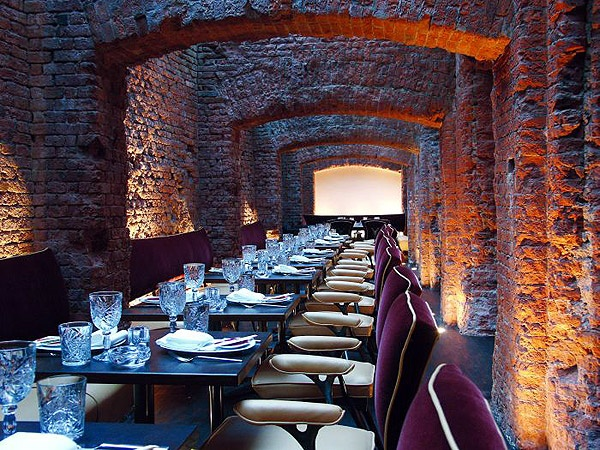 exposed brick wall east hotel hamburg east restaurant hamburg great use of lighting. Black Bedroom Furniture Sets. Home Design Ideas
