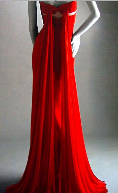 Vintage valentino red dresses