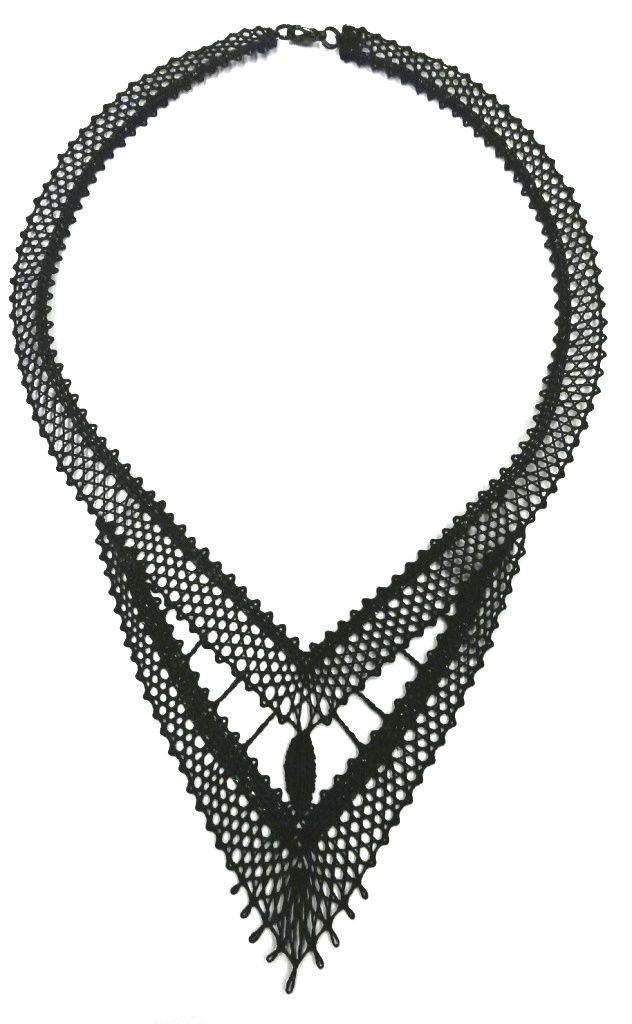 Souprava 16 445 - černá   Vamberecká krajka