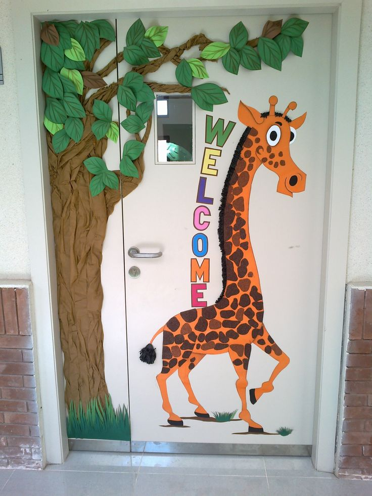 Jungle theme door of nursery class at ace international for Nursery class door decoration