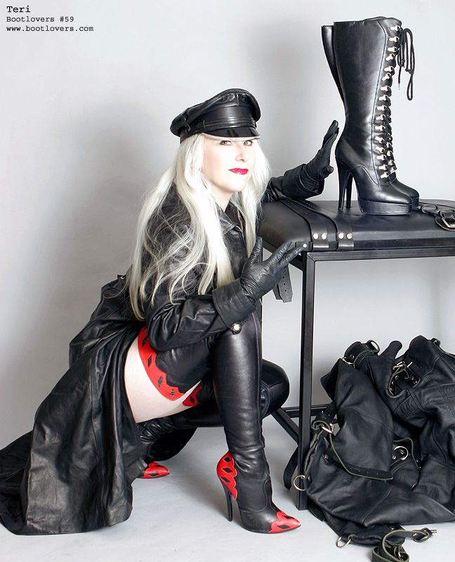 Female domination of submissive men