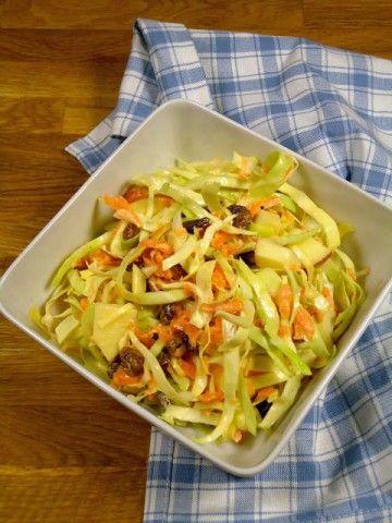 Een lekker recept voor American Coleslaw, deze koolsalade bestaat uit witte kool met een mosterd dressing.