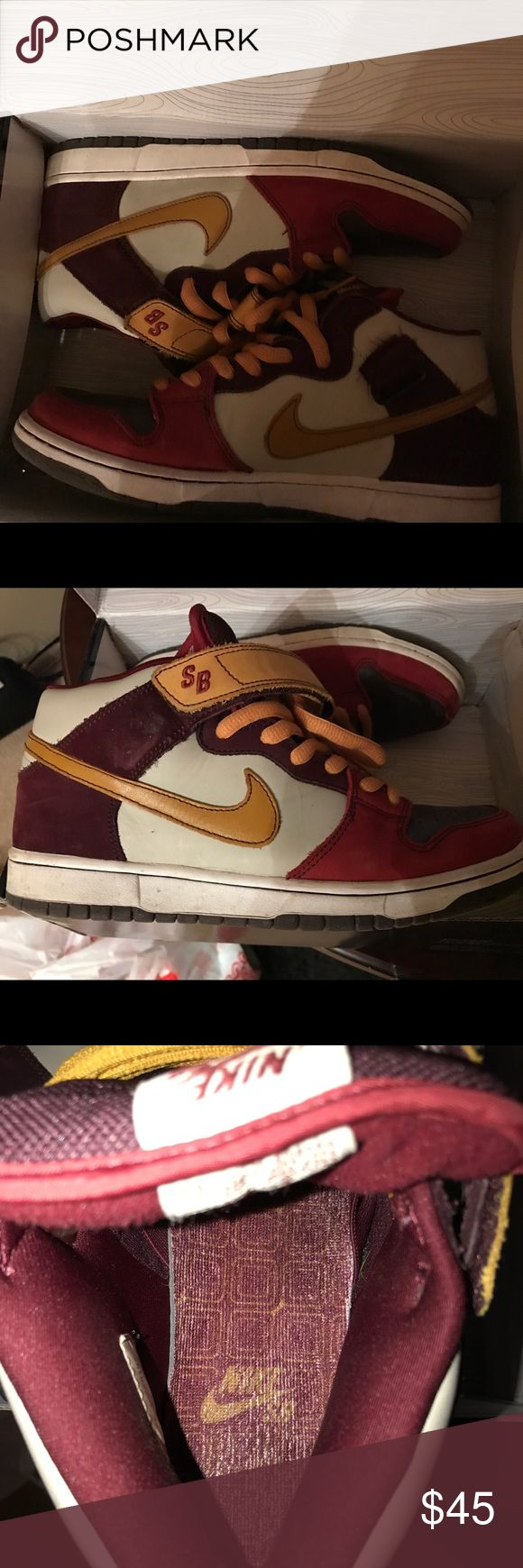 """Nike SB Dunk mid """"vapor"""" size 9.5 Barely worn old Nike sb Dunk mids w/ strap. """"Vapor"""" colorway. Great condition Nike Shoes Sneakers"""