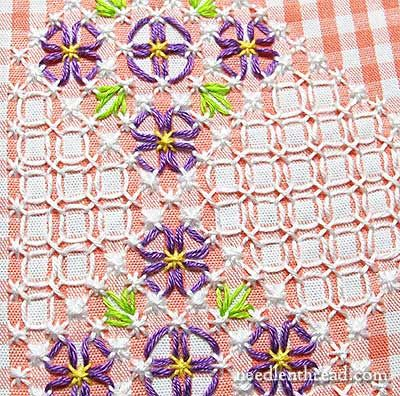 Gingham Embroidery – Free Pattern: Floral Corner – NeedlenThread.com