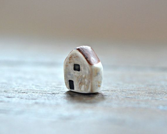 MAR ABS  Haida House bead by Ditsy Blue...more about this over on my blog:  http://www.ditsyblue.co.uk/all/adventure-awaits/
