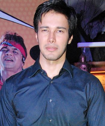 Rajneesh Duggal shares his experience of working with Karisma Kapoor!
