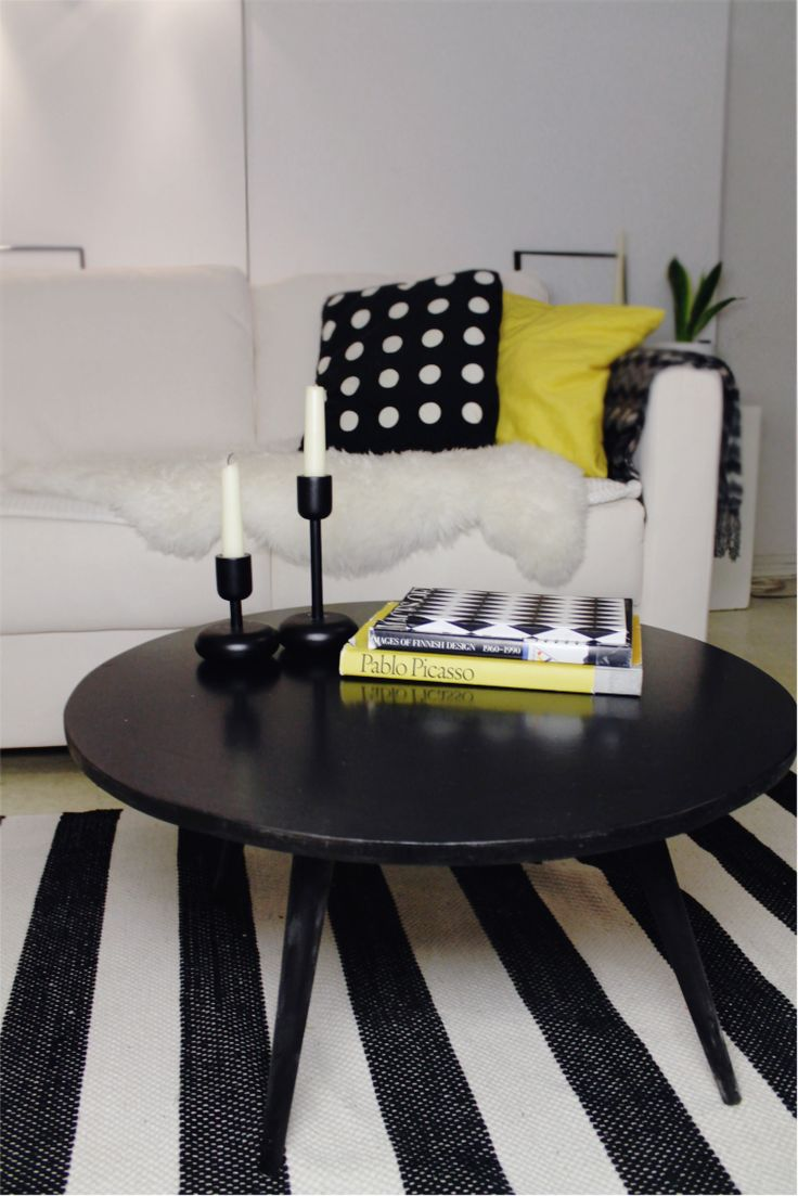 Yellow black white living room