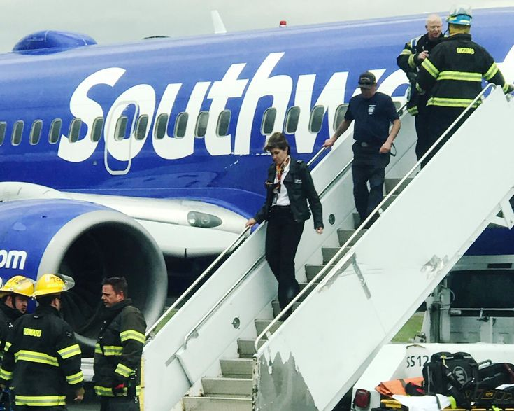 Southwest Pilot Who Landed Crippled Plane Is Navy Veteran With Nerves of Steel