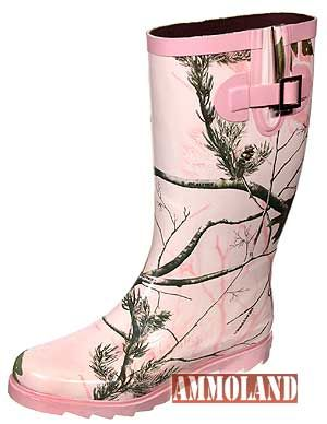 pink camo rain boots. oh yes!