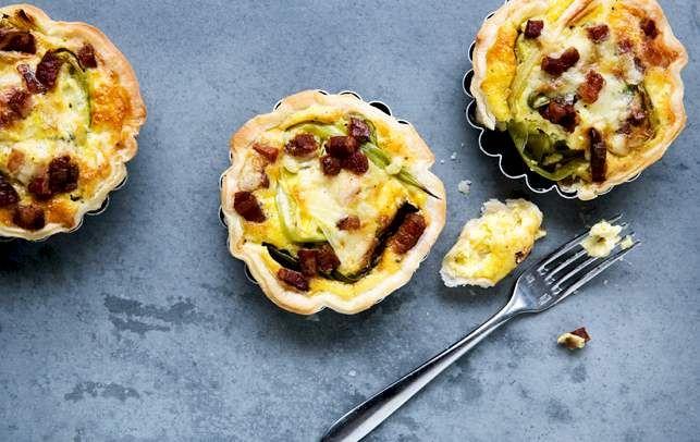 Minitærterne er fine i deres form og kan spises både lune og kolde.