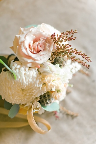 delicate-lace-ranch-wedding-bouquet-pink-white-green-peach