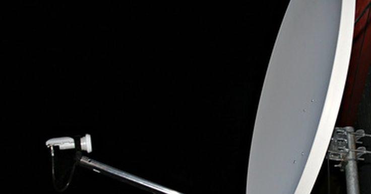 Diferencia entre LNB dual y LNB simple. El subconvertidor de Bloque de Bajo Ruido, o LNB por sus siglas en inglés, es una parte integral del sistema de antena parabólica. Se orienta hacia la antena y enfoca y fortalece la señal del satélite; luego lo envía al receptor para que los clientes utilicen la señal satelital.