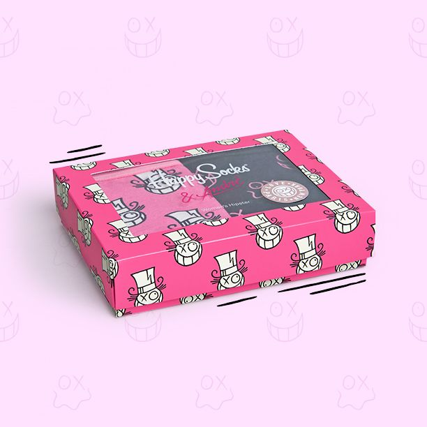 Discover the comfort of one-of-a-kind hipsters for women. Boasting the distinctive characters from the works of André, this two pack of underwear for women is neatly packaged in a vivid pink box. Made from a blend of soft cotton and elastane, you get one pair of bright pink underwear with outlines of white faces and a black pair with pink faces. Find a gift pack with sizes extra-small through large.
