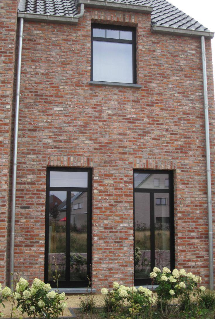 Oude Beerse steen rijnvorm, speciale mengeling met steellook ramen en JD OVH pannen