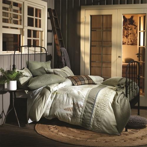 Quiero todas esas almohadas.  For the caravan