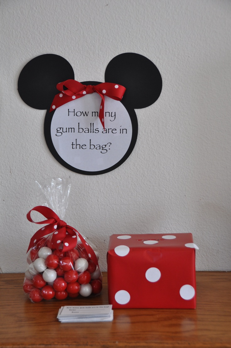 Minnie Mouse party game - guess how many gum balls