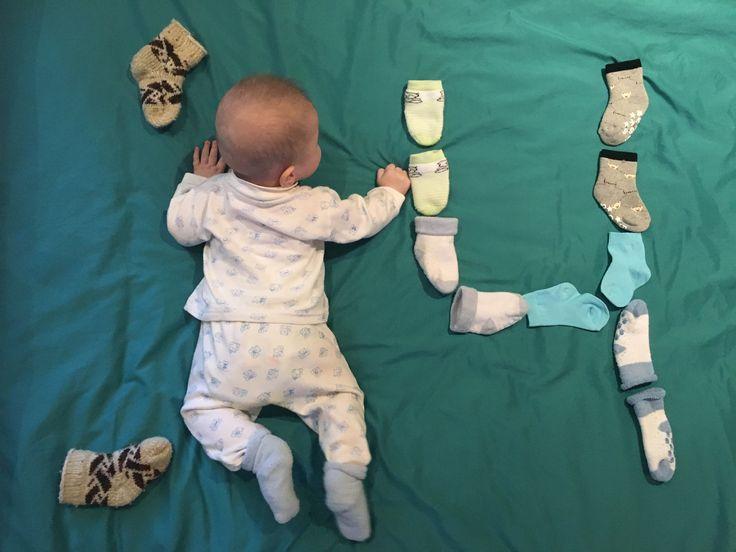 Ежемесячная фотосессия ребёнка